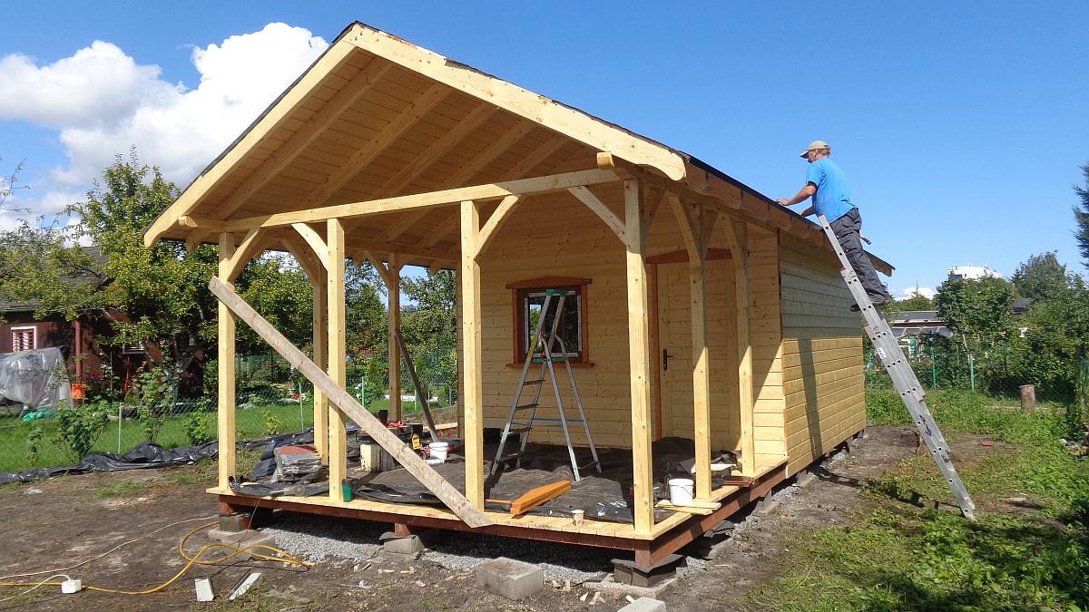 domek-ogrodowy-drewniany-1