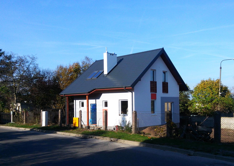 z71-d--maly-drewniany-dom-szkieletowy